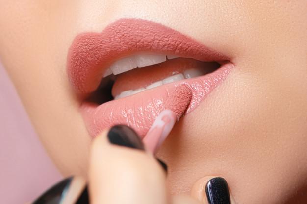 manfaat lipstick